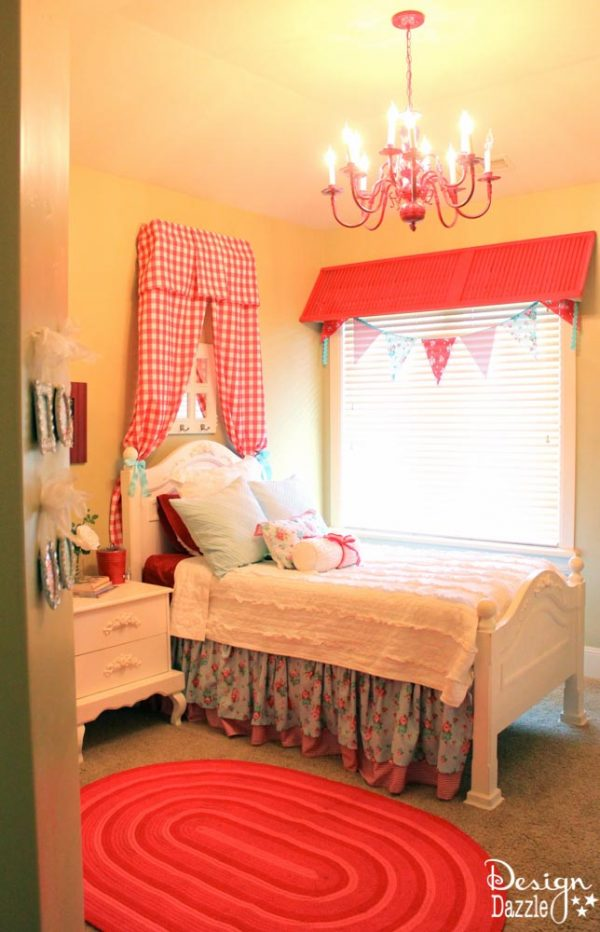 DIY Cheerful Shabby Chic Guest Room