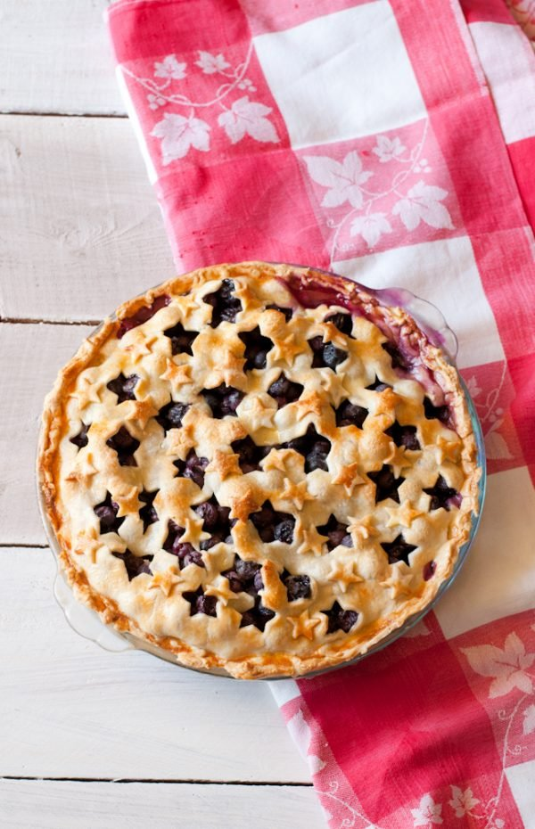 4th of July Blueberry Pie with STARS! Patriotic Food for the 4th!