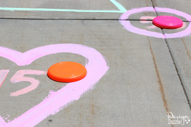 Frisbee game with outdoor washable paint | Design Dazzle