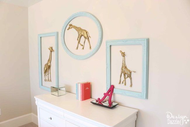 This little girl's room is so sweet! Click for the full tour of this beautiful contemporary home! | Design Dazzle