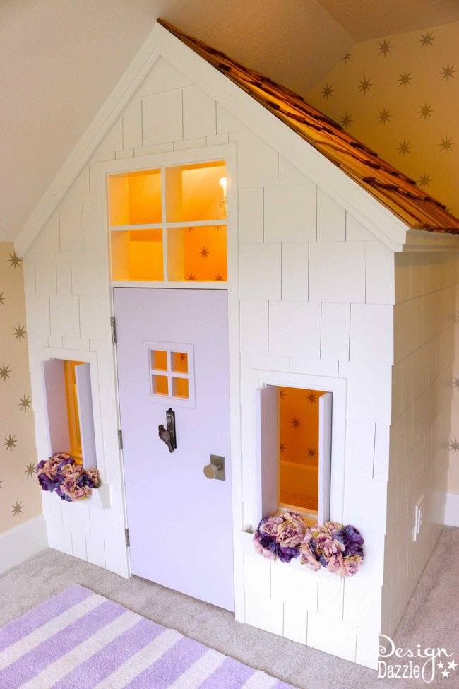 What a fun indoor playhouse! | Design Dazzle
