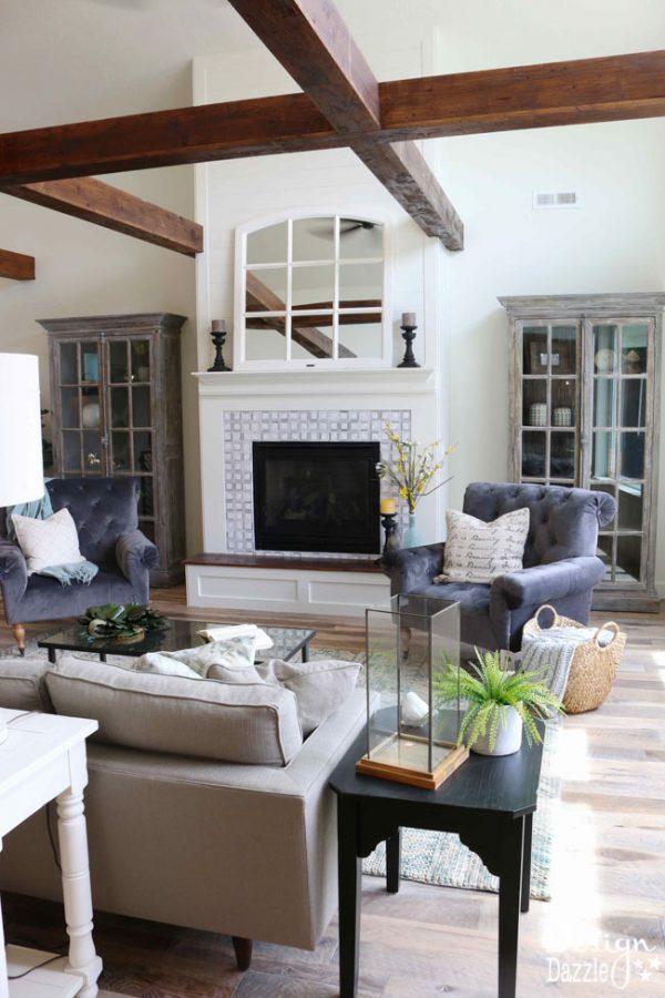 This modern farmhouse home tour is so pretty! | Design Dazzle