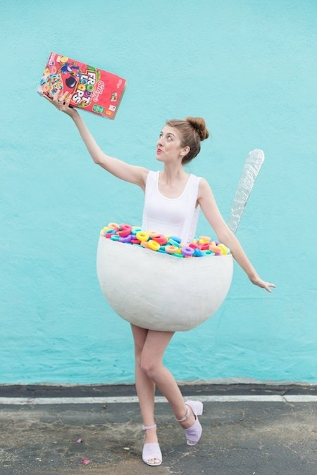 10 of my very favorite DIY food themed Halloween costumes that are cute, simple, and easy to make. You would never guess that they are homemade! | DIY halloween costumes | homemade halloween costumes | food themed halloween costumes | halloween costume ideas | what to wear for halloween || Design Dazzle