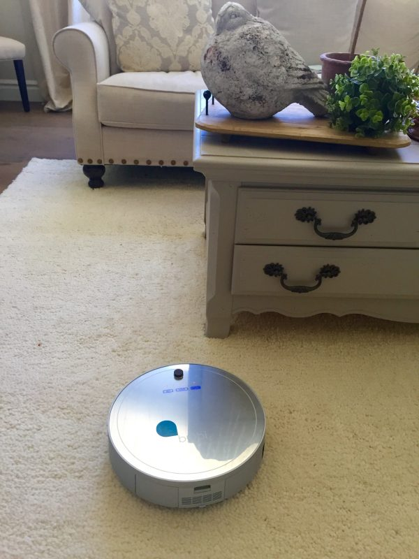 bObi Pet is a versatile vacuum that accomplishes five chores in one: 1. Vacuum 2. Sweep 3. Mop 4. UV Sterilize 5. Filter the Air | Design Dazzle
