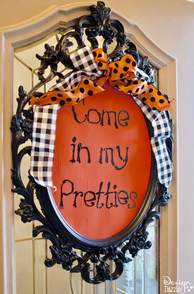 Halloween in Paris themed party with mostly things you can create yourself! | DIY halloween parties | halloween party ideas | halloween decorating tips | how to host a halloween party | halloween party themes | adult halloween parties | vintage halloween party | halloween decorating tips || Design Dazzle