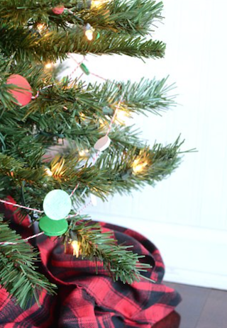Red Green and White Dot Christmas Tree Garland
