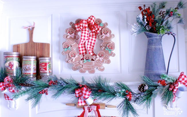 Gingerbread Man Wreath made with foam | christmas wreath ideas | christmas crafts | diy christmas wreath | gingerbread christmas decor | diy christmas decoe || Design Dazzle #christmas