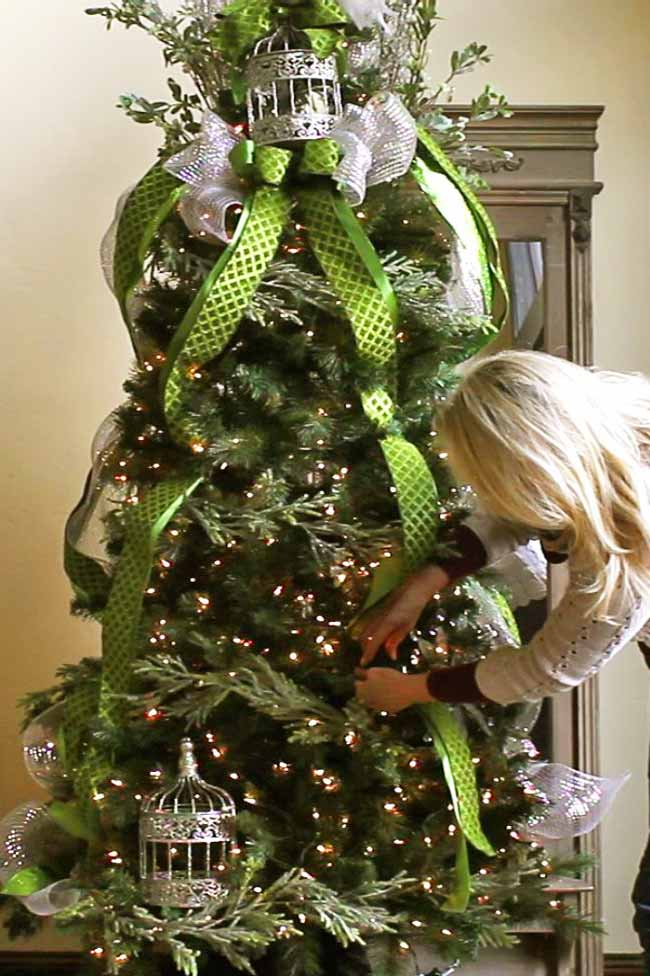 Tools/Supplies For Christmas Tree Decorating | Design Dazzle