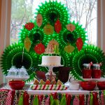 How to DIY a Christmas Tree Party Backdrop