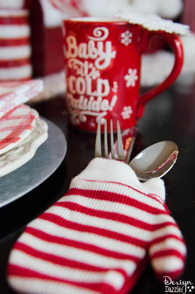 Christmas Home Tour 2016 - Dining Room and Desk Decor | Christmas home decor | Christmas home decor tour | decorating tips for Christmas | Christmas decor ideas | Christmas decorating tips || Design Dazzle #christmasdecor