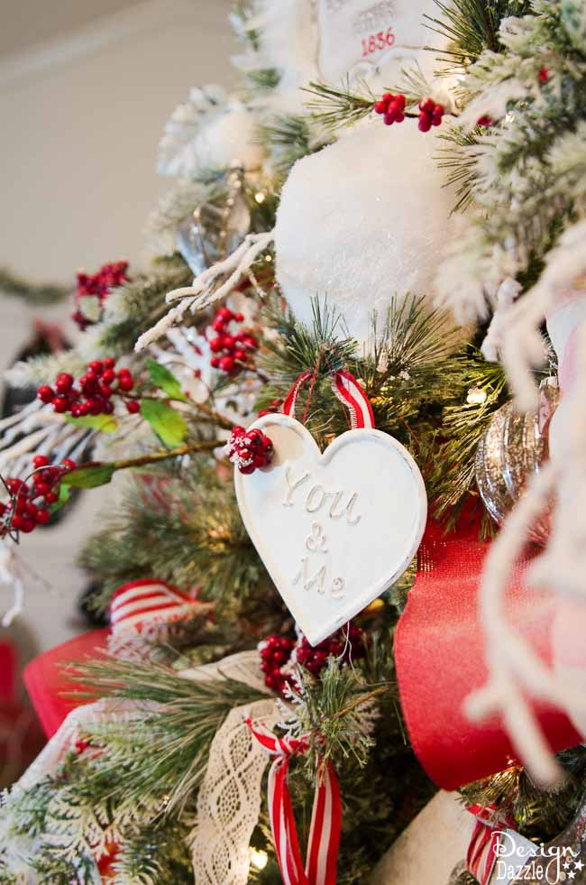 Christmas Home Tour 2016 | Christmas home decor | Christmas home decor tour | decorating tips for Christmas | Christmas decor ideas | Christmas decorating tips || Design Dazzle #christmasdecor