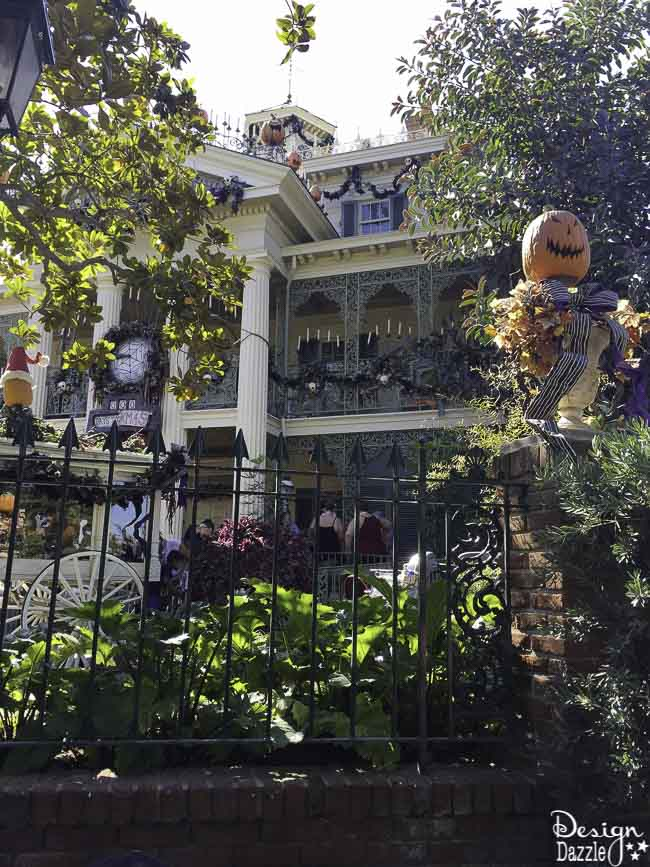 No matter how old you are, Disneyland is always fun, which makes it the perfect place for a family trip full of lots of different ages!   Design Dazzle