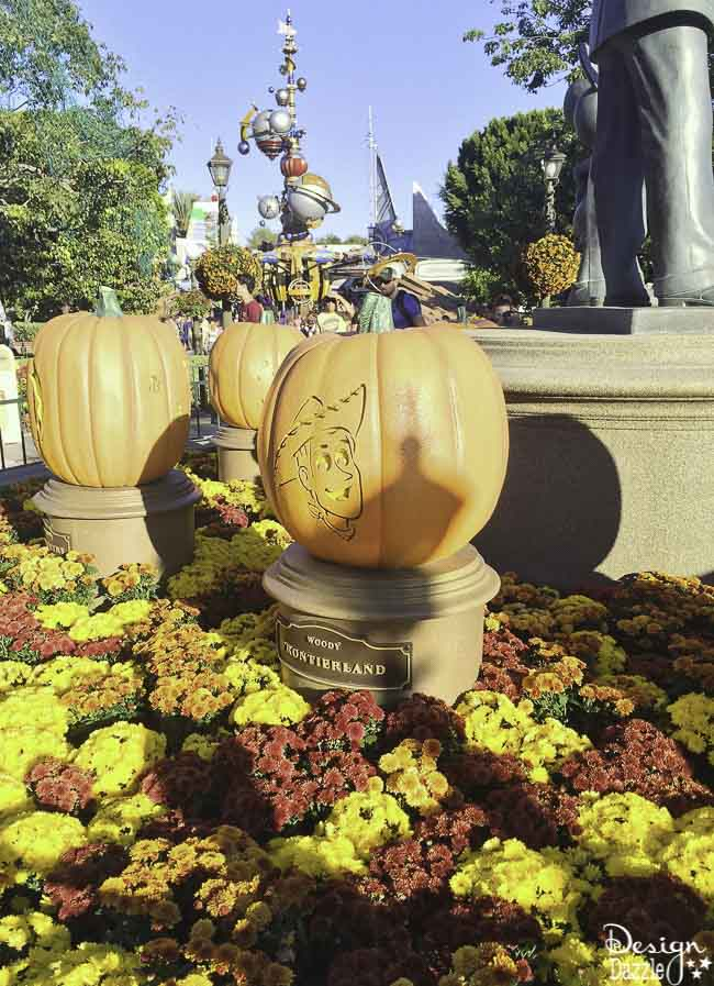 No matter how old you are, Disneyland is always fun, which makes it the perfect place for a family trip full of lots of different ages! | Design Dazzle