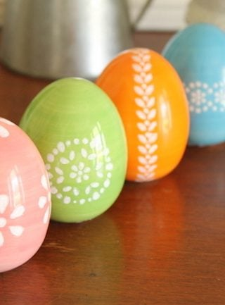 "18 ""Egg-cellent"" Easter Egg Decorating Ideas"
