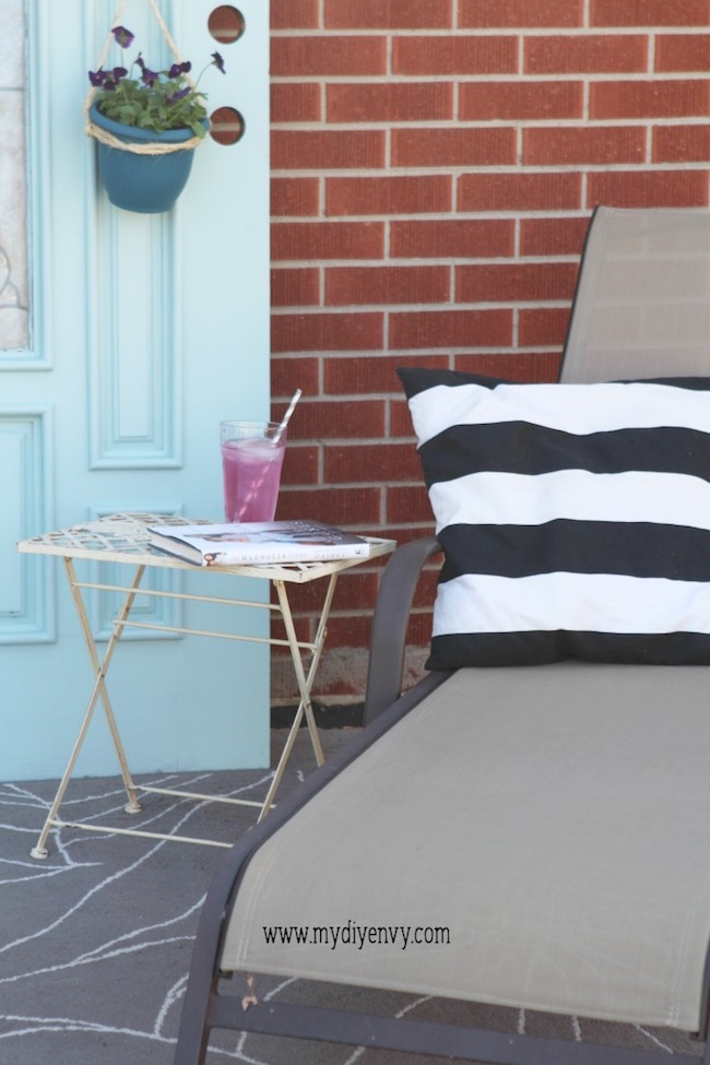 All 15 of these spectacular Springtime front porch ideas are creative, and versatile! There is a decorating idea here for all different tastes and styles.   Design Dazzle