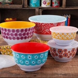 30 inexpensive and trendy kitchen accessories. From pretty decorations to trendy dishes, the kitchen is such a great place to spruce up your home decor!   Design Dazzle