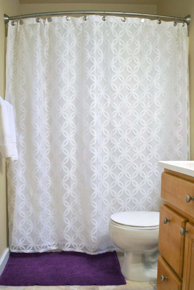 All 20 of these shower curtains are not only gorgeous but trendy too! You will find many different styles of shower curtains to fit anyones decor needs. | Design Dazzle