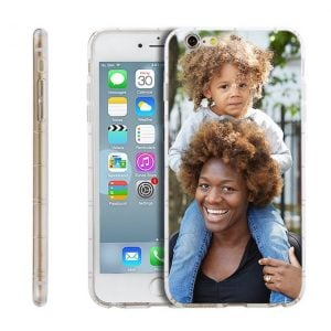 From engraved necklaces to custom photo phone cases, these 14 meaningful Mothers Day gifts will be sure to put a huge smile on your mom's face! | Design Dazzle