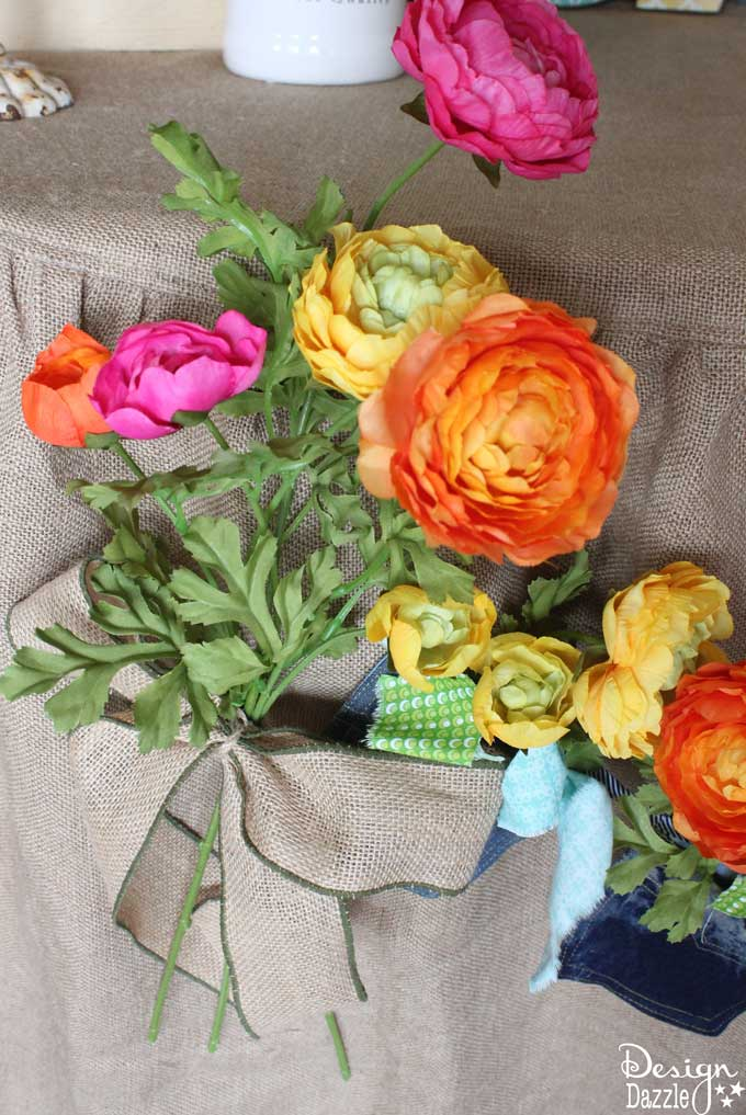 Create a flower banner with denim pockets!    Design Dazzle