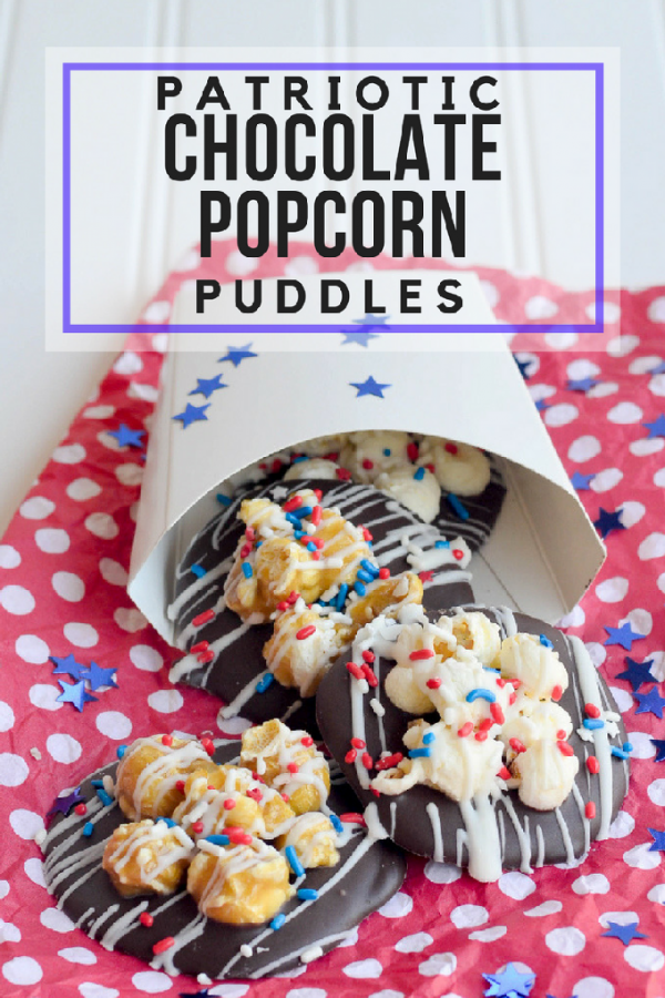 Patriotic Chocolate Popcorn Puddles! Delicious 4th of July recipe and dessert! #4thofJuly | Design Dazzle