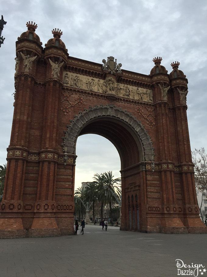 Traveling to Barcelona - Arc de Triomf
