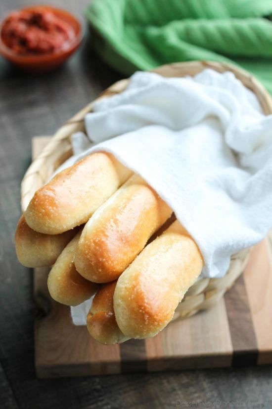 11 Yummy Copycat Restaurant Rolls Bread Recipes Design Dazzle
