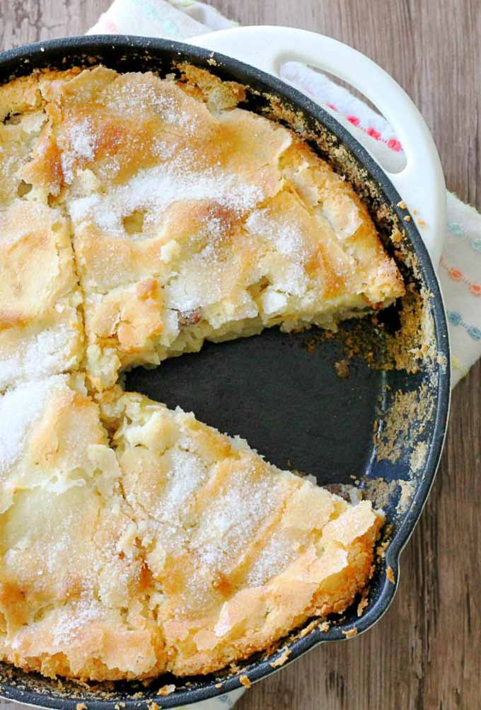 Apples are ripe and ready to be picked! Try out these delectable apple based desserts and treats this fall to take advantage of this favorite fall fruit! | homemade apple recipes | apple dessert recipes | fall dessert recipes | recipes using fresh apples | dessert recipes for fall || Design Dazzle