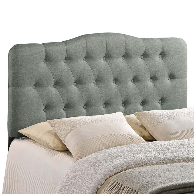 Look no further for a gorgeous and inexpensive bed because I've already done for you, I have round up 20 of affordable and stylish beds all for under $200! | Design Dazzle
