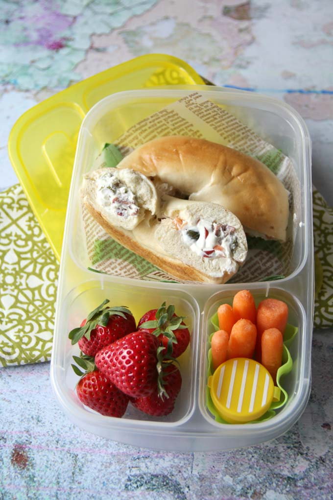 I've round up 15 of my favorite easy back to school lunch ideas for you that are sure to please every picky eater in your house! | Design Dazzle