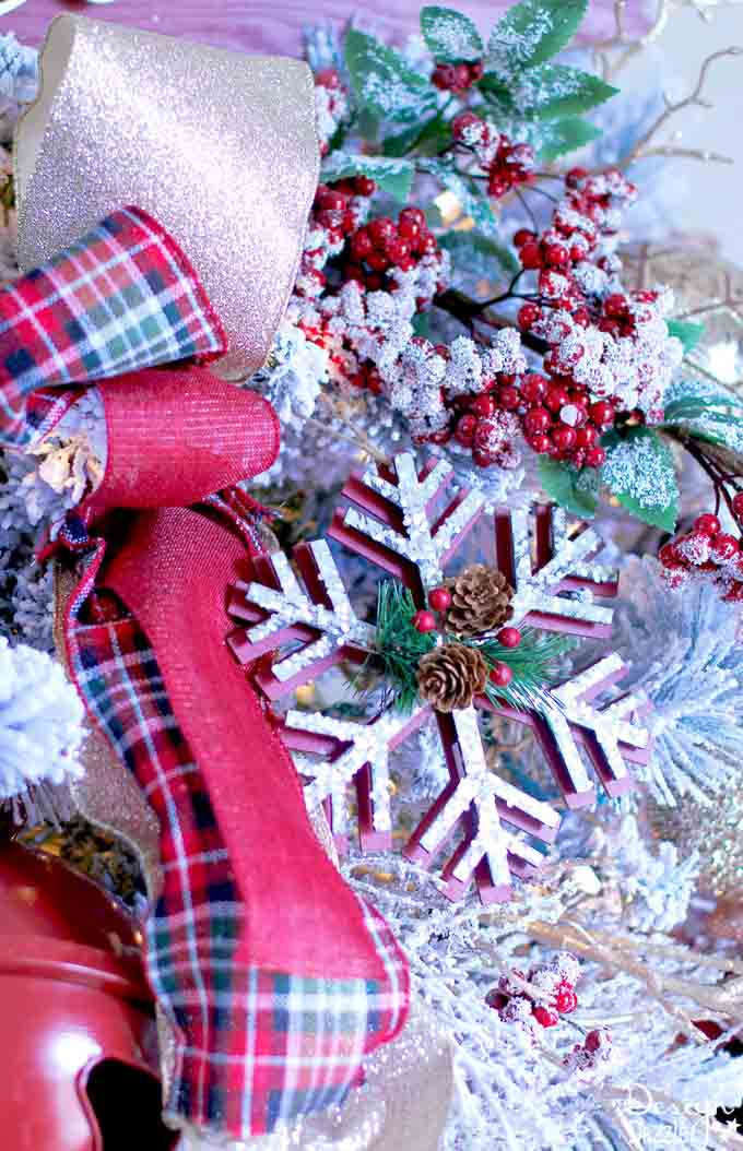 Believe in The Magic Christmas Dream Tree | diy Christmas tree | Christmas tree decor ideas | how to decorate a Christmas tree | Christmas tree decorating tips | Christmas home decor | Christmas tree home decor || Design Dazzle #christmastree #christmastreedecor #christmasdecor