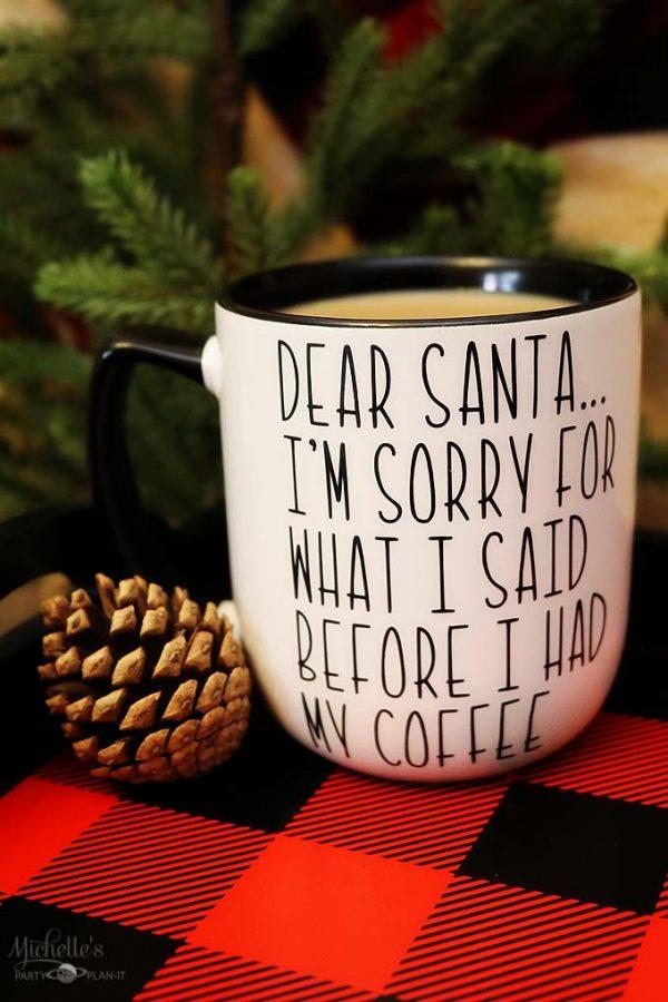 DIY Christmas Mug | Dear Santa Coffee Mug | diy coffee mug || Michelle's Party Plan-It for Design Dazzle #diymug #diycoffeemug #diychristmas