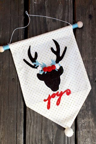 Christmas Deer Wall Hanging