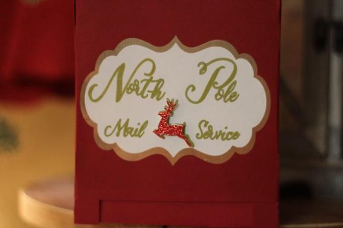 DIY Santa's Mailbox for your kiddos to make!