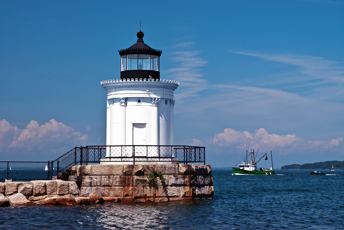 From Maine to Florida, this route has been well-traveled for the last 60 years. This beautiful route makes for the ultimate road trip! | Design Dazzle