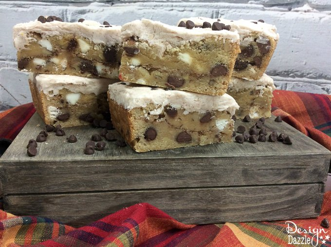 These Snickerdoodle Cookie Bars are a delightful twist on the regular snickerdoodle cookie recipe. You just might find that you like these even more | Design Dazzle