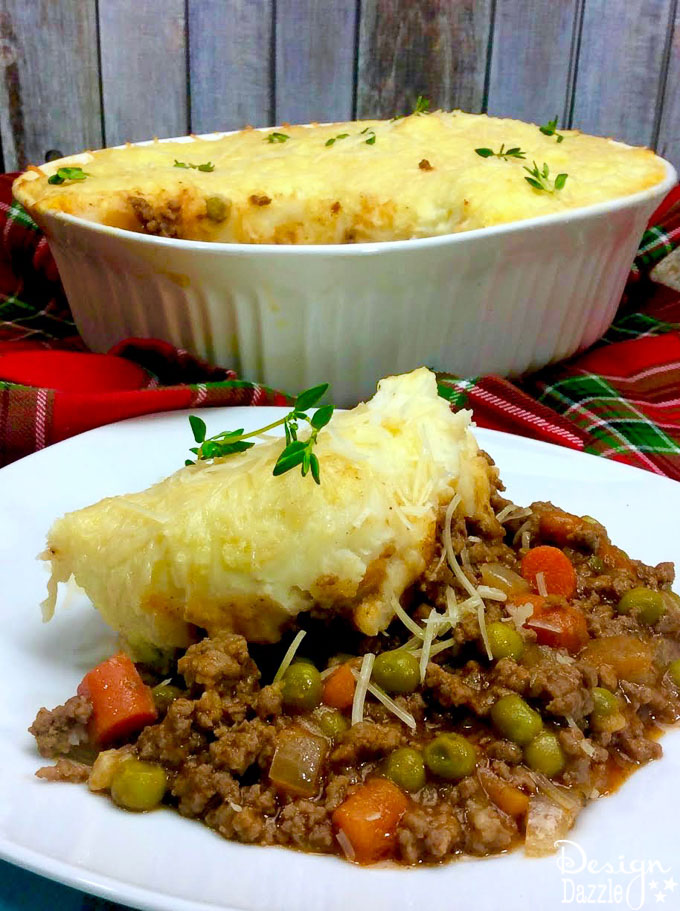 Because how perfect would it be to have an Irish feast to honor Irish ancestors for St. Patrick's day? Try this Delicious Irish Shepherd's Pie! | Design Dazzle