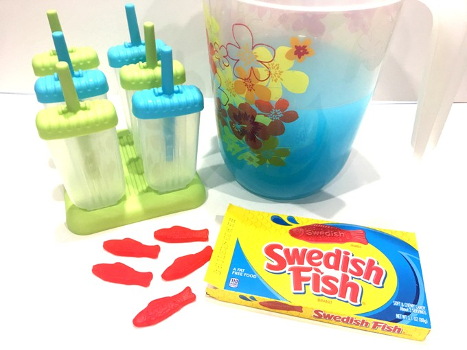 These underwater popsicles are perfect to cool off under the summer heat! It's as easy as 1-2-3! Even the kids can make their own with very little help. It's also a fun treat for ocean or water themed parties!