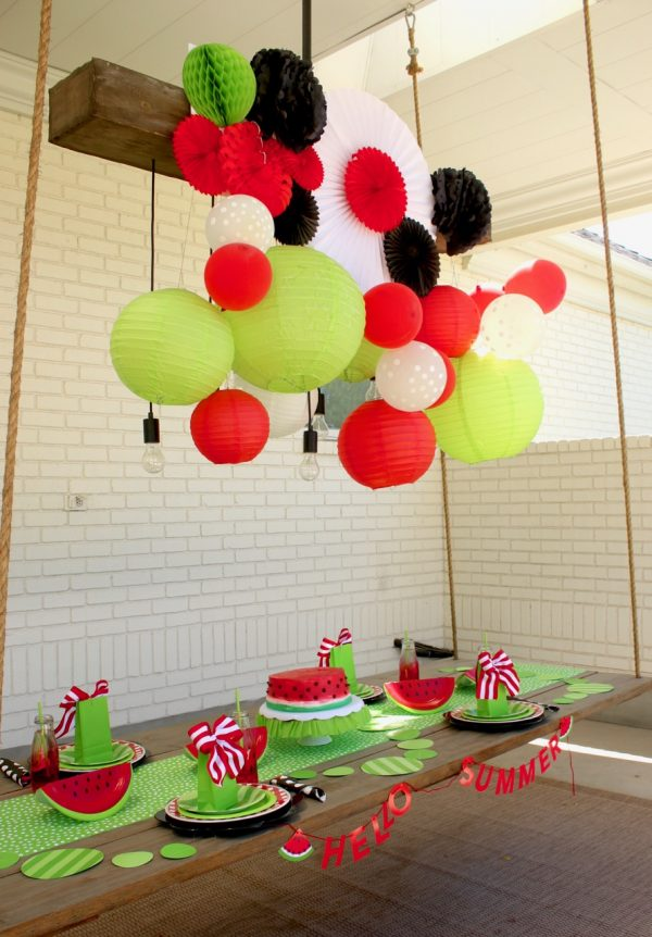 Learn how I set up this cute summer watermelon birthday party. Plan a super fun and exciting summer birthday for your kids! | Design Dazzle