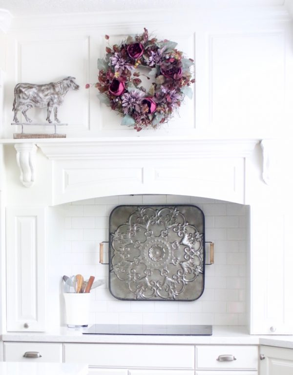 Check out some inspiration for decorating kitchen farmhouse style! Also other great decorating tips and tricks for holidays! - Design Dazzle