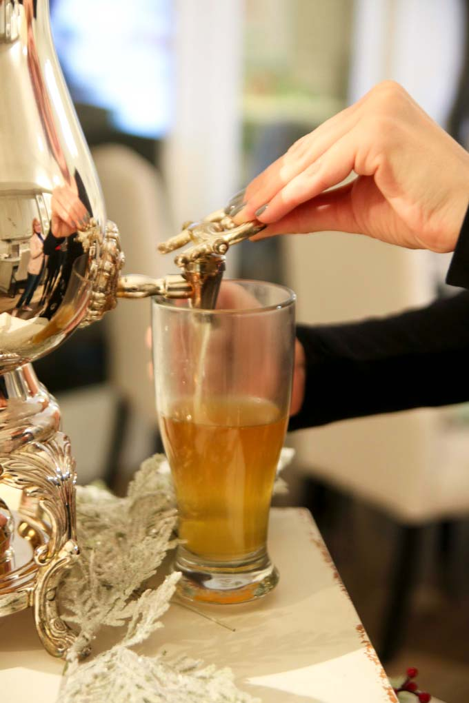 Delicious Apple Cider with a scoop of ice cream - makes for a delicious drink at a party | Design Dazzle