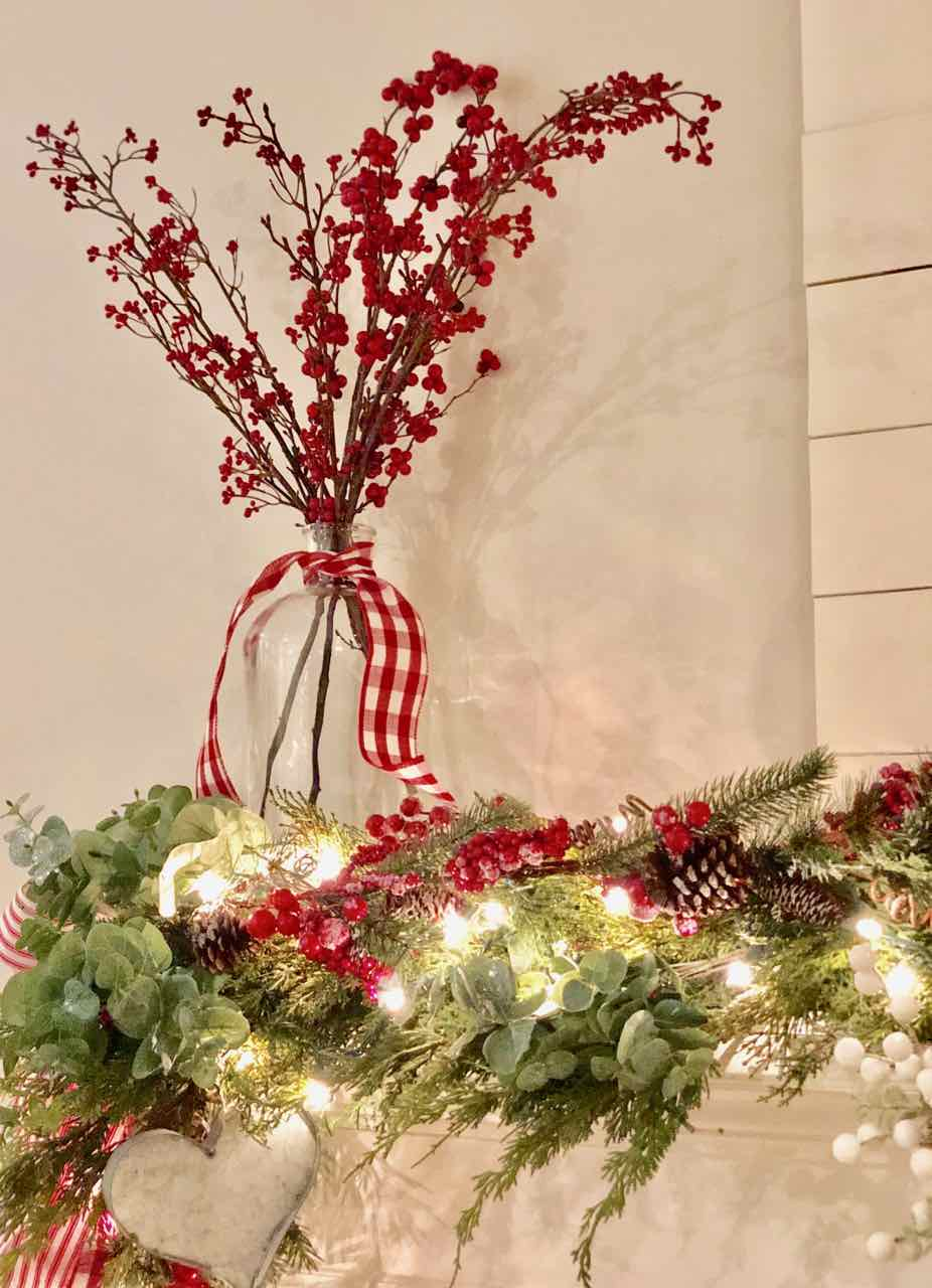 My husband says this is his favorite Christmas tree I've ever designed. Check it out! I shared lots of pictures of my Christmas decor 2018! - Design Dazzle