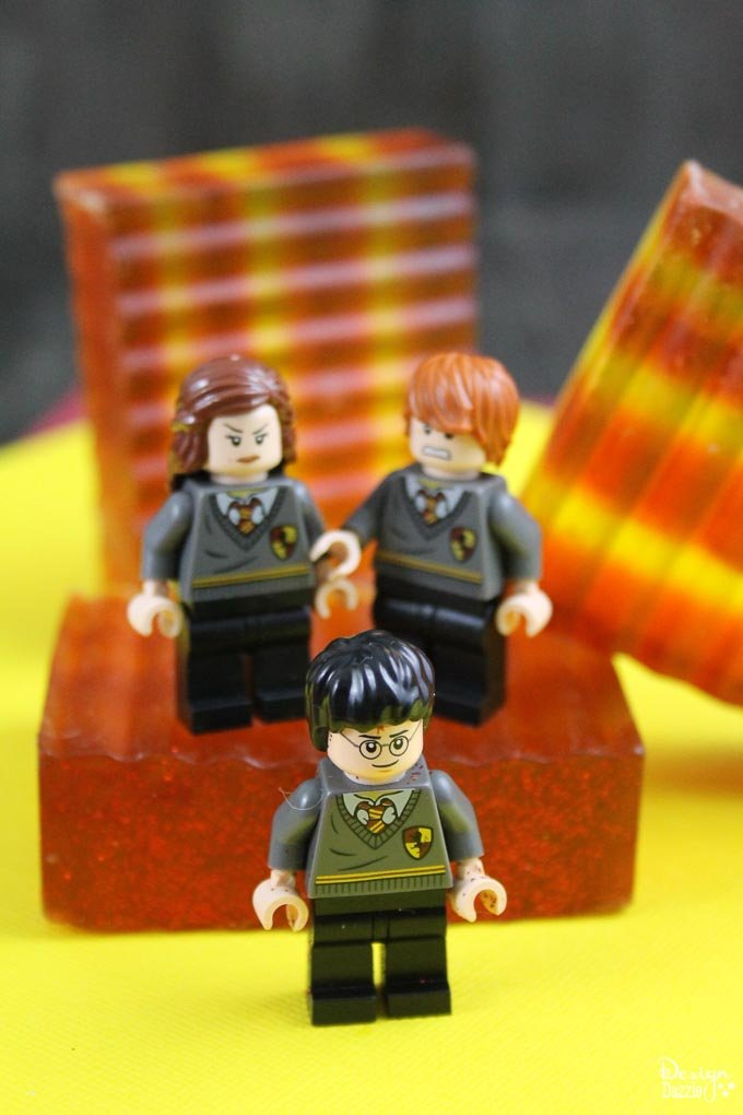This Harry Potter soap will definitely get you so thrilled!It's super easy to make and a great gift idea for your family and friends that are certified Potterheads!It is also a nice favor for your Harry Potter themed party! - Design Dazzle