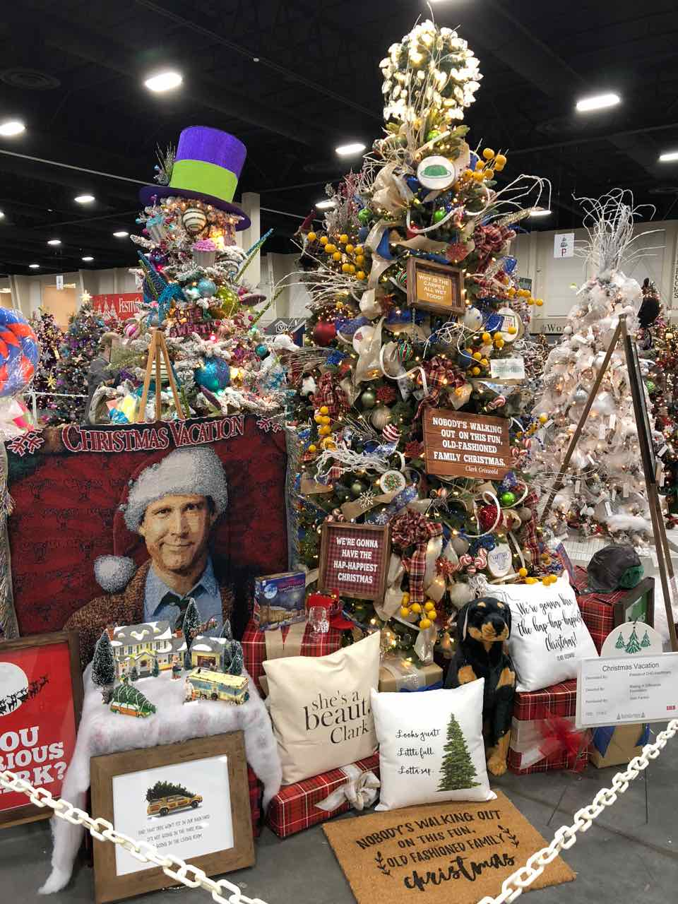 Griswolds Christmas Vacation themed Christmas tree