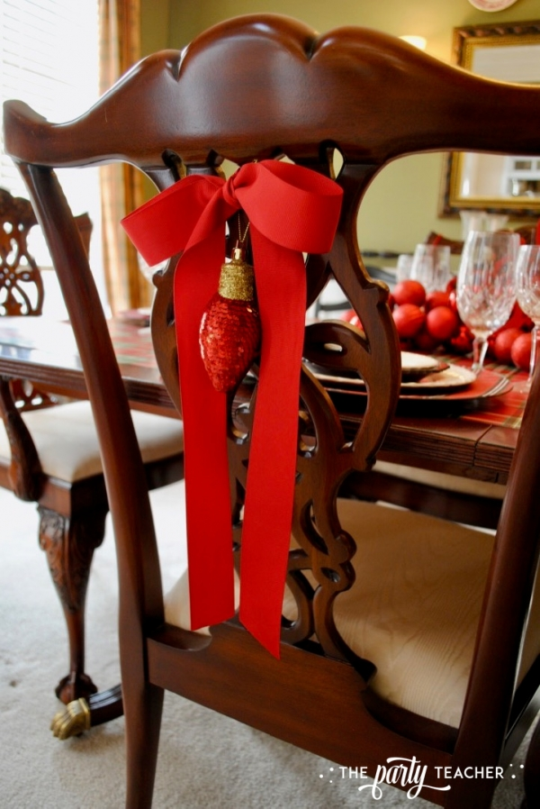 Christmas chairs 4 ways by the party teacher 1