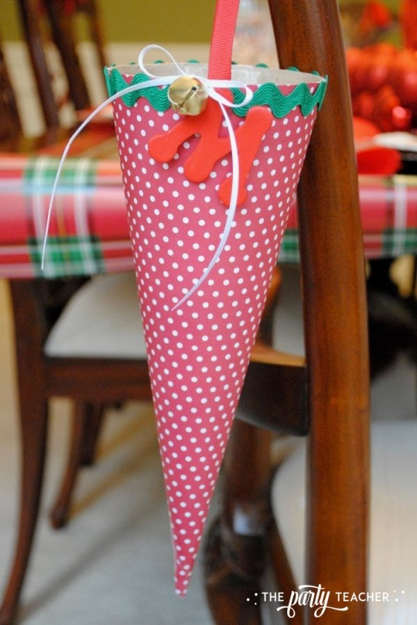 Christmas chairs 4 ways by the party teacher 24