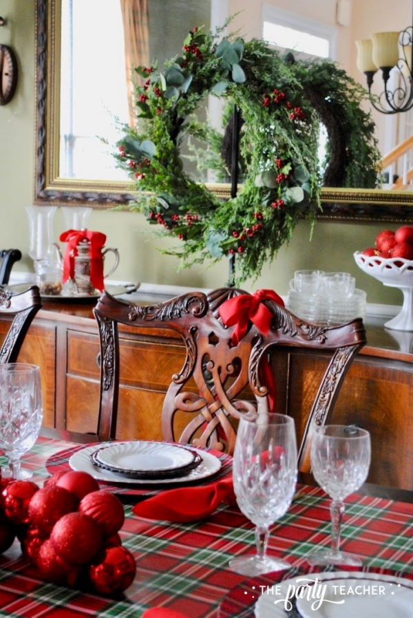 Christmas chairs 4 ways by the party teacher 36