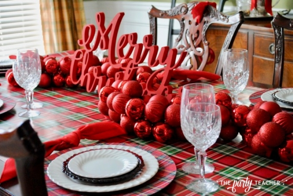 Christmas chairs 4 ways by the party teacher 38