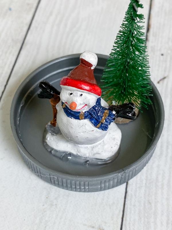 Everyday party magazine diy snowglobe ornaments 9