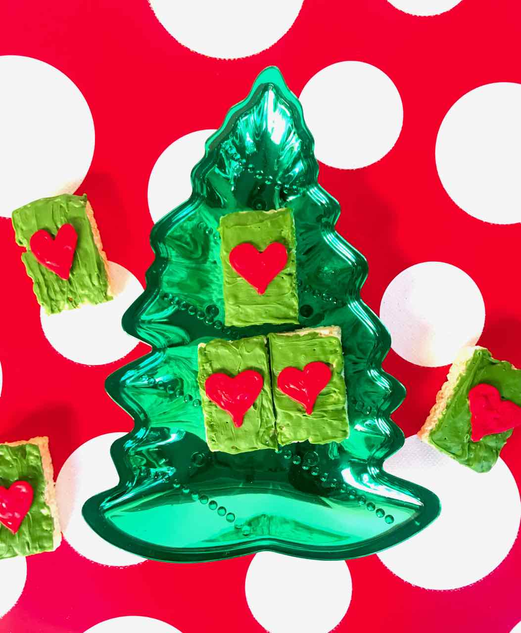 Would you like to make the perfect treat to eat while watching a favorite Christmas movie The Grinch? Make these quick and easy Grinch Treats!