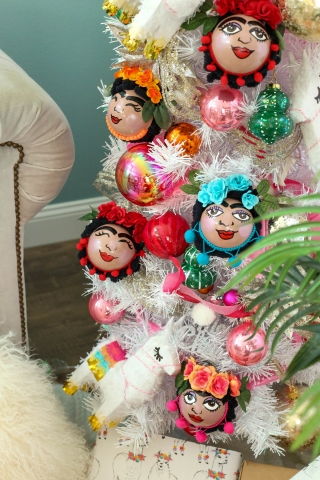 Frida kahlo handmade ornaments christmas tree 20